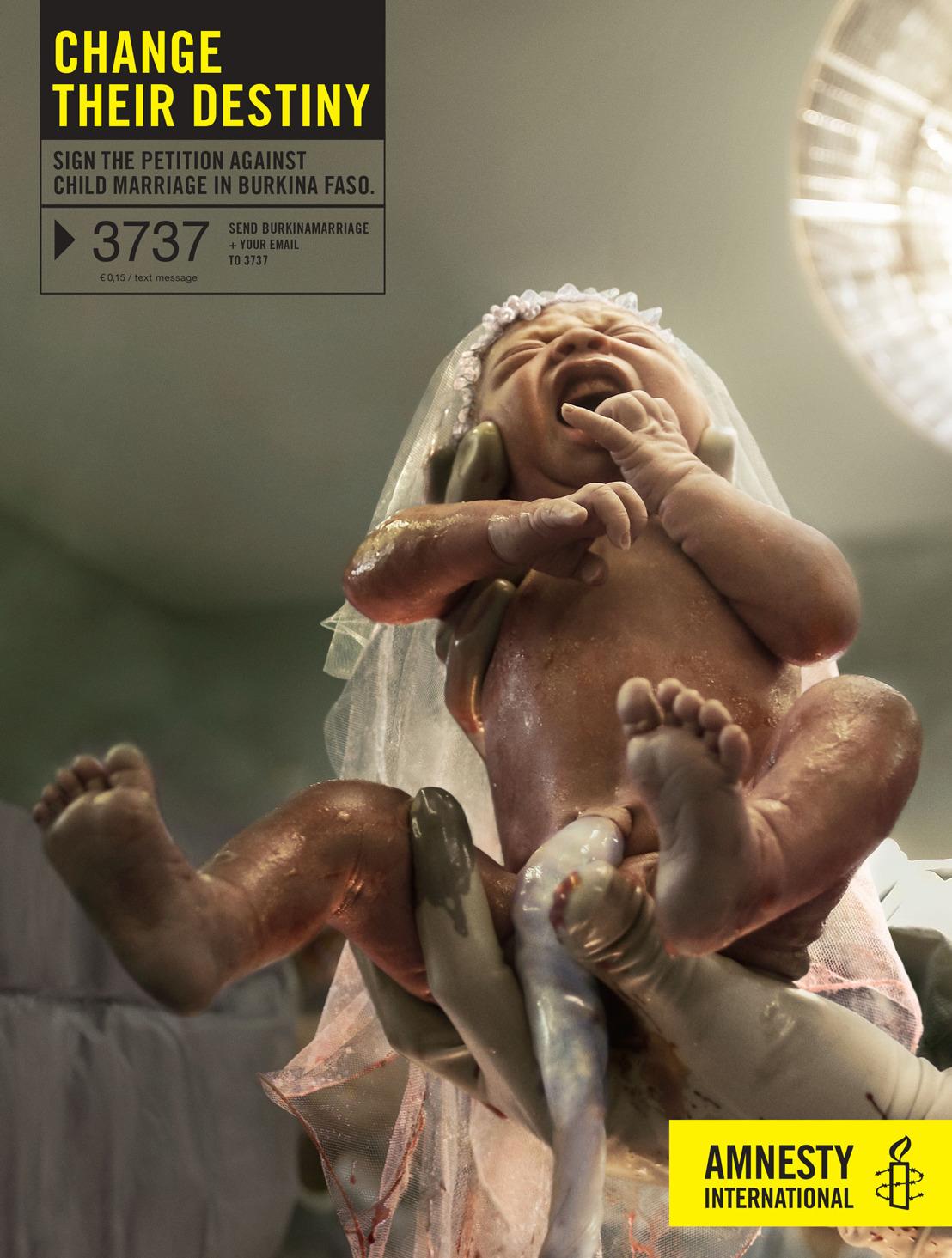 Air huwelijkt een baby uit voor Amnesty