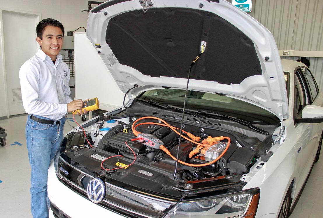 Volkswagen de México integra una nueva especialidad a su Centro de Formación Dual