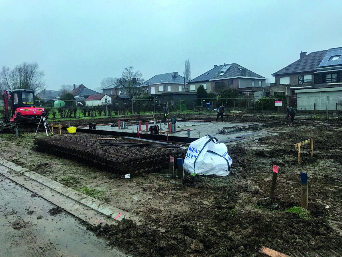 Foto: werken in uitvoering in de Derrevoortstraat in Roosdaal