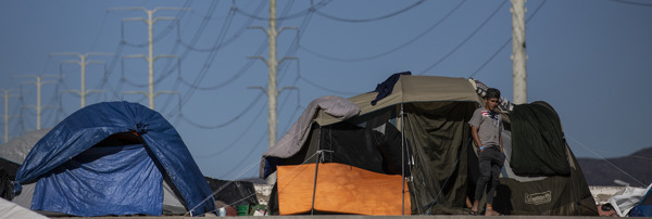 Preview: Las restricciones de EE. UU. en la frontera dejan a los migrantes gravemente expuestos a la violencia