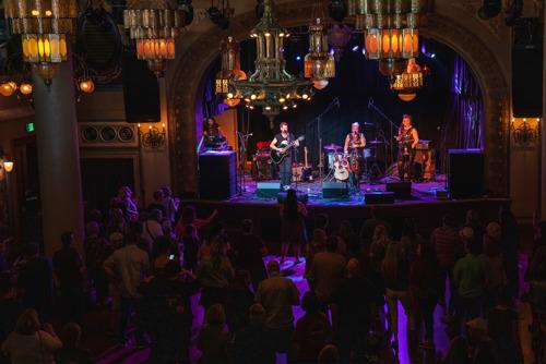 Un nuevo sistema ShowMatch DeltaQ sonoriza el Spanish Ballroom en Tacoma