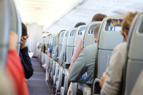 Сколько часов российские путешественники проводят в самолёте
