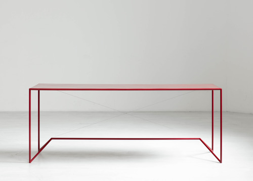 Belgian designer Maria Scarpulla launches a series of unique and handmade outdoor tables