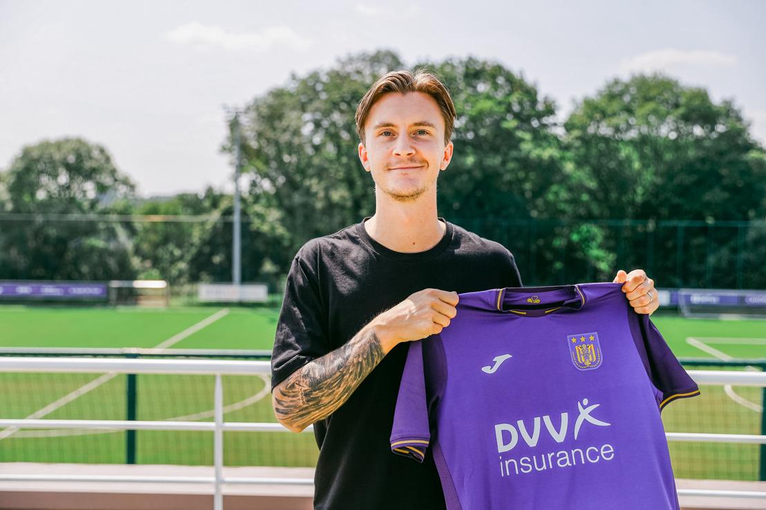 Swedish midfielder Kristoffer Olsson joins RSC Anderlecht