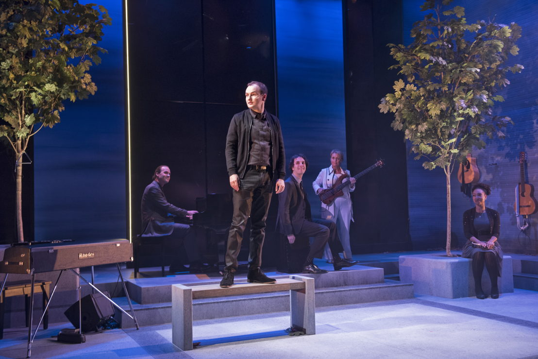 Brent Jarvis, Anton Lipovstsky, Jonathan Gould, Linda Kidder and Evangelia Kambites in I Think I'm Fallin' - The Songs of Joni Mitchell created by Michael Shamata and Tobin Stokes / Photos by David Cooper