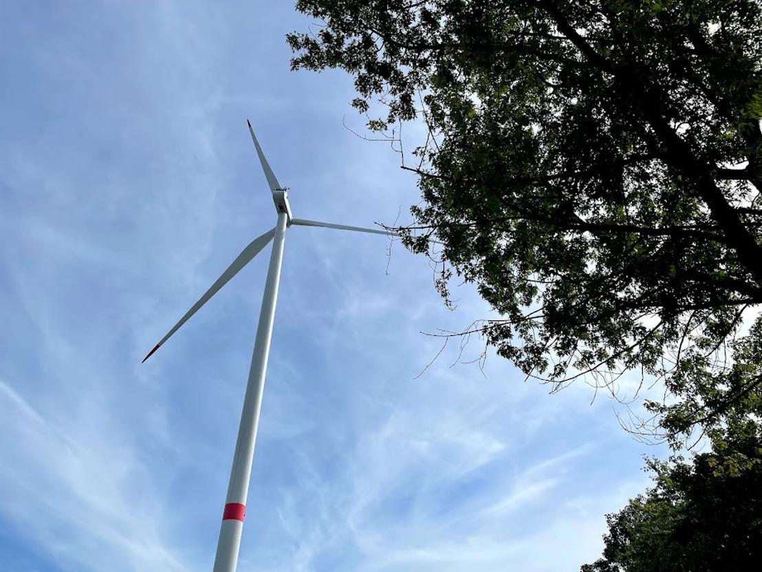 Een project van 2 nieuwe windturbines op het bedrijventerrein van Villers-le-Bouillet