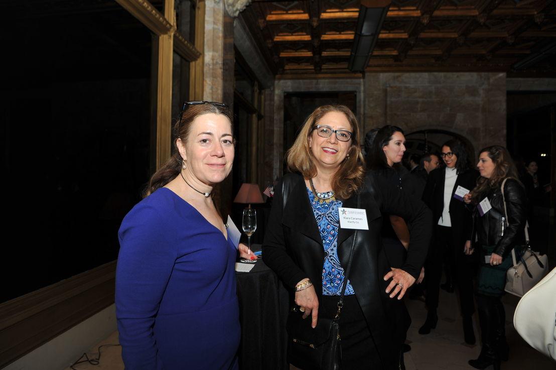 Marisa Marinelli, Socia de Holland & Knight LLP, y Klara Carames, Jefe de Operaciones en Klarify, Co.