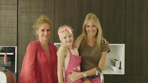 Annelien Coorevits en dochter Elena gaan de strijd aan in Bake Off @ Home