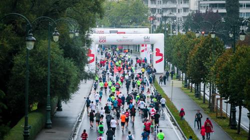 Vernieuwde Brussels Airport Marathon & Half Marathon start aan het Atomium
