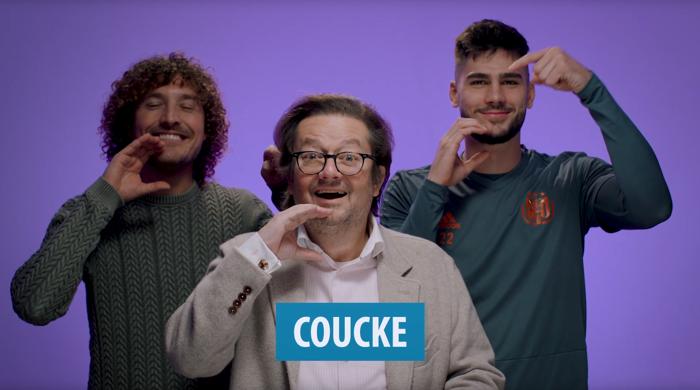 Les joueurs d'Anderlecht et Marc Coucke apprennent des termes footballistiques en langue des signes