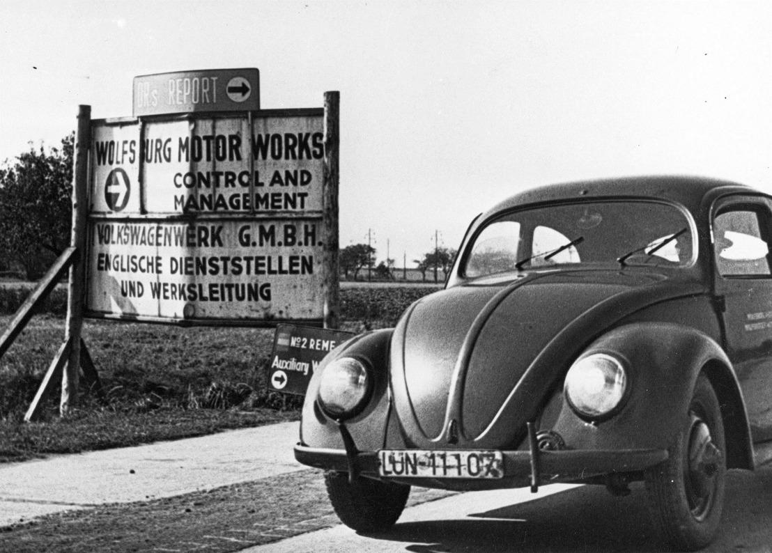 Start van de serieproductie van een icoon: de eerste VW Kever rolde 70 jaar geleden in de fabriek van Wolfsburg van de band
