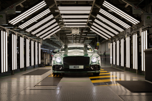 40,000 EXAMPLES OF THE ULTIMATE GRAND TOURING LUXURY SEDAN: FLYING SPUR CONTINUES TO SOAR