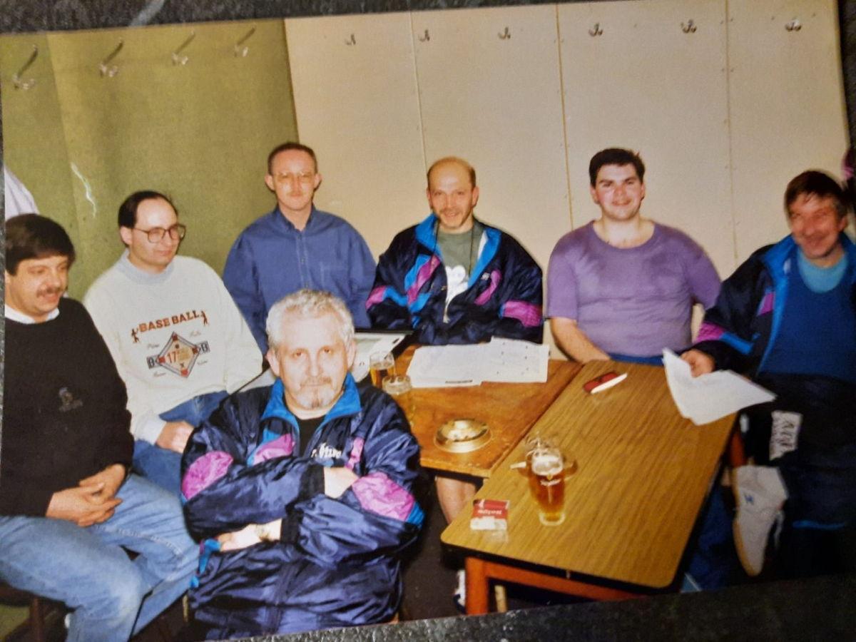 Foto; bestuur dat Tafeltennisklub Vilvo zijn huidige vorm gaf
