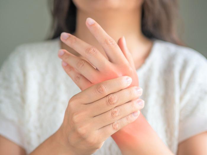 Combinatietherapie met cortisone is meest effectief bij beginnende reumatoïde artritis
