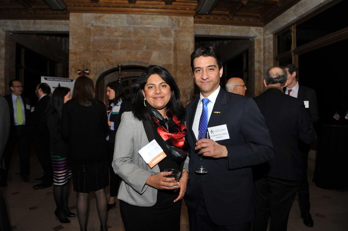 Alejandra Enriquez Economista del Consulado General de Mexico en Nueva York, y,  Jonathan Paz y Miño, Políticas de Seguridad Nacional de Estados Unidos