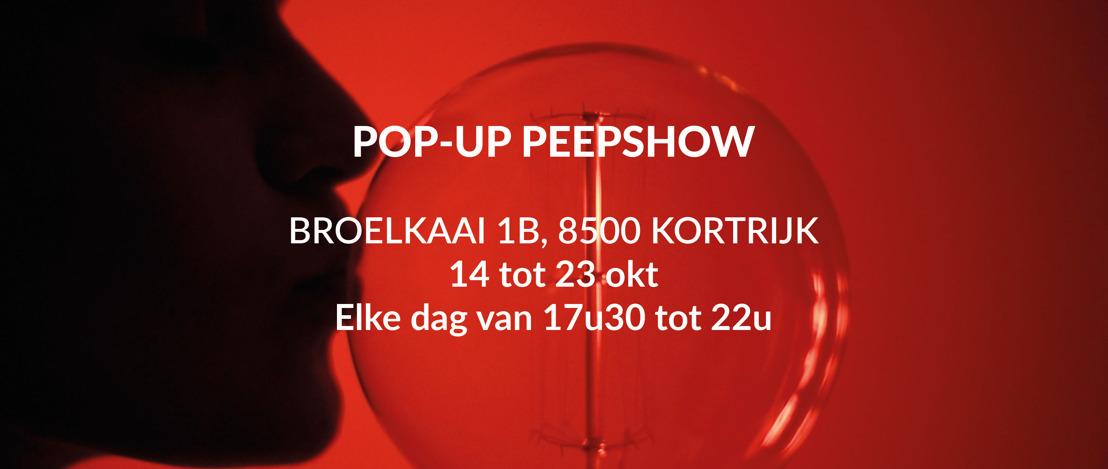 PERSUITNODIGING: Pik eens een peepshow mee op weg naar de Biennale Interieur Kortrijk
