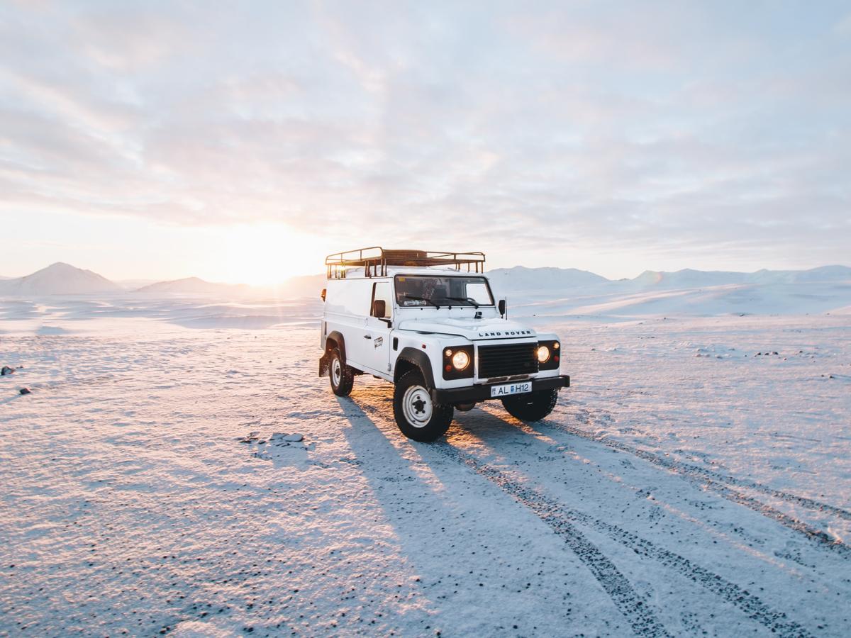 Academy: 10 Stunning Automotive Online Newsrooms Examples