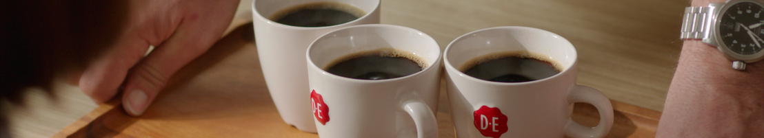 Douwe Egberts & BBDO most warmly recommend people to grow closer