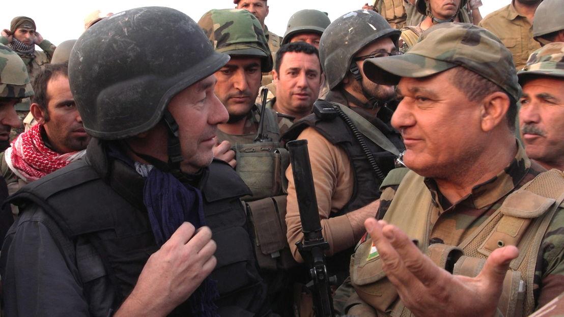 IS in het vizier - Afl 2 : Rudi Vranckx praat met Koerdische Peshmerga-generaal - (c) VRT