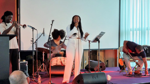 Slam poet Lisette Ma Neza receives Luc Bucquoye prize 2021