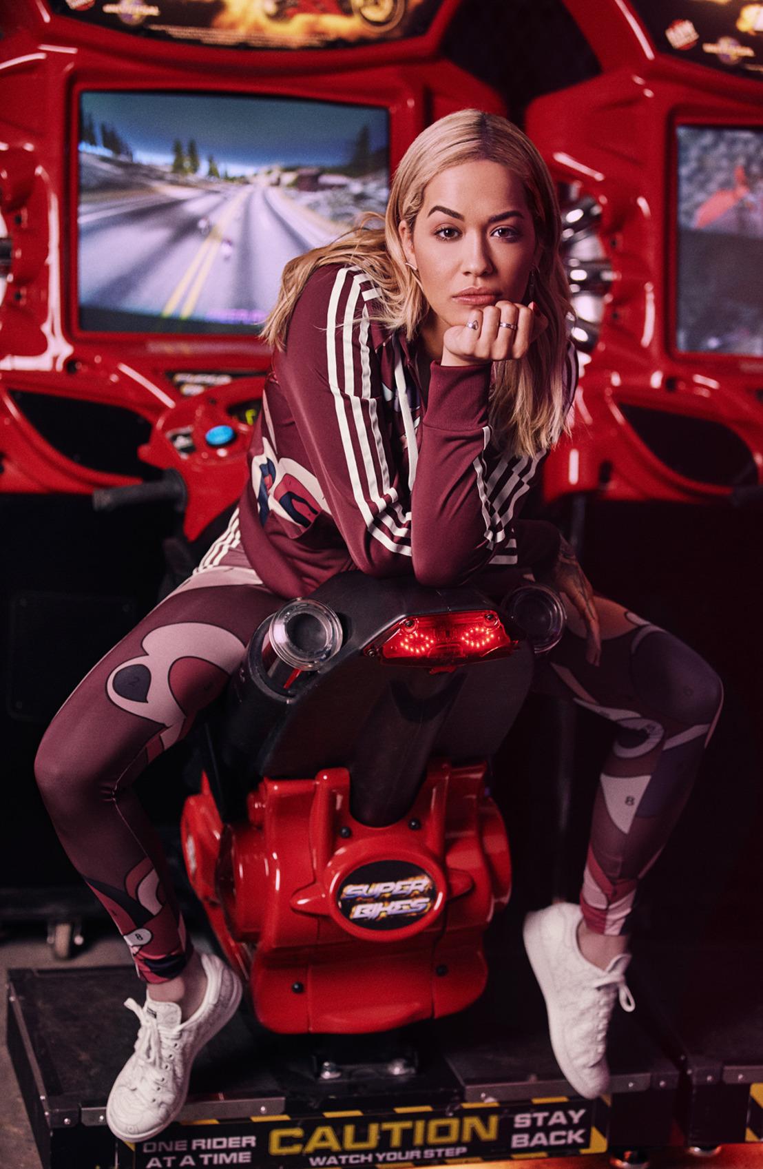 adidas Originals y Rita Ora desafían el estilo con la colección Colour Paint