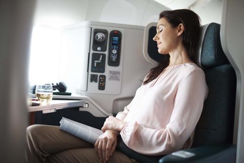 Cathay Pacific lance des offres spéciales Noël en Classe Affaires et Economie Premium vers l'Asie-Pacifique