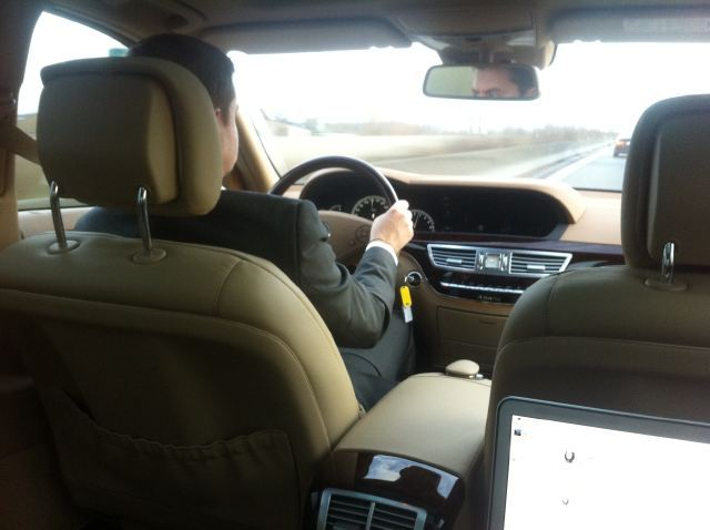 @janterman de volgende dag naar het werk in stijl met een Mercedes-Benz S-Klasse