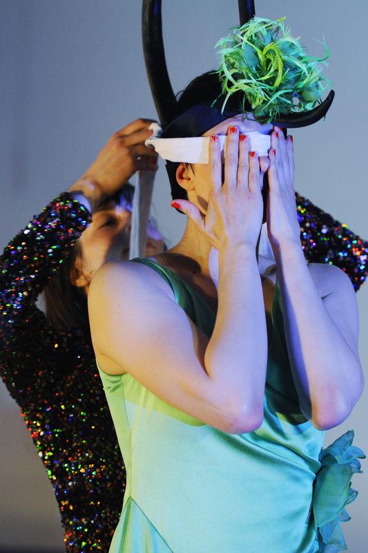 Meg Stuart/Damaged Goods & Müncher Kammerspiele - Until our hearts stop - 13 > 14/01 © Iris Janke