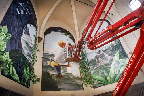 Monumentale street art in Halse Paterskerk onthuld