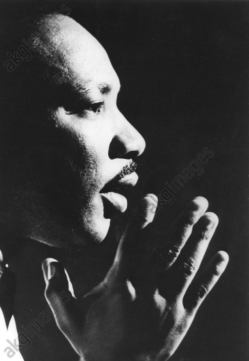 King, Martin Luther Jr,<br/>1929 – 1968, American Baptist minister, activist, humanitarian, and leader in the African-American Civil Rights Movement.<br/><br/>Martin Luther King giving a speech. Photo, c.1966<br/>AKG21823