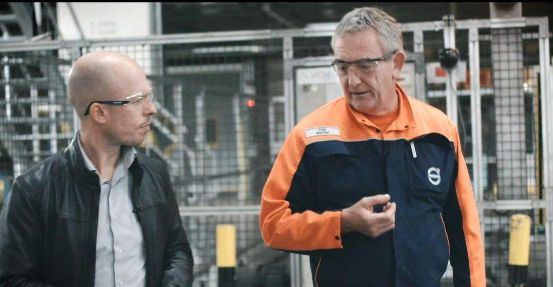 Tom Van de Wegje bij Volvo Cars in Gent - (c) VRT