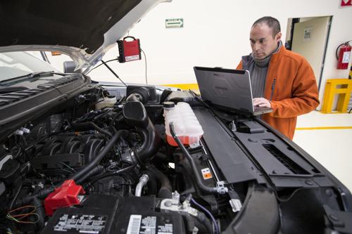 TOUGHBOOK aporta robustez, precisión y velocidad en el diagnóstico de vehículos Ford