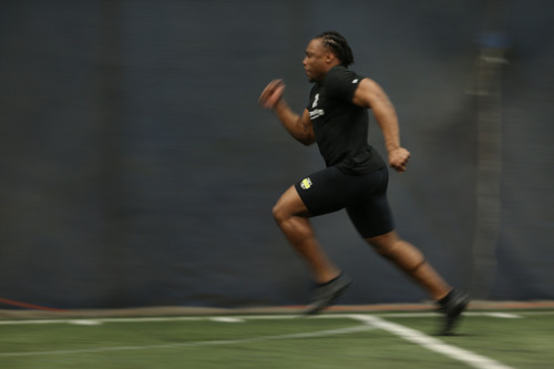 ASNNEL ROBO RUNS 4.59 40-YARD DASH TO LEAD GLOBAL PLAYERS AT COMBINE
