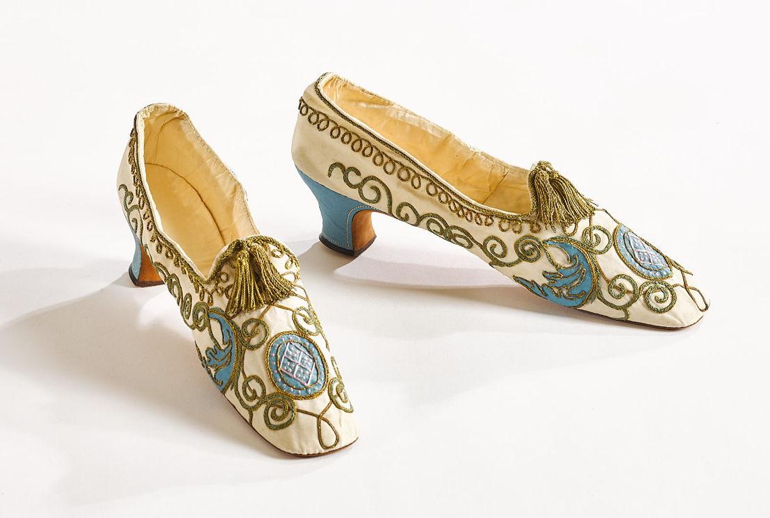 Schoenen uit de verkleedkist van huize Arenberg © KU Leuven – Stany Dederen