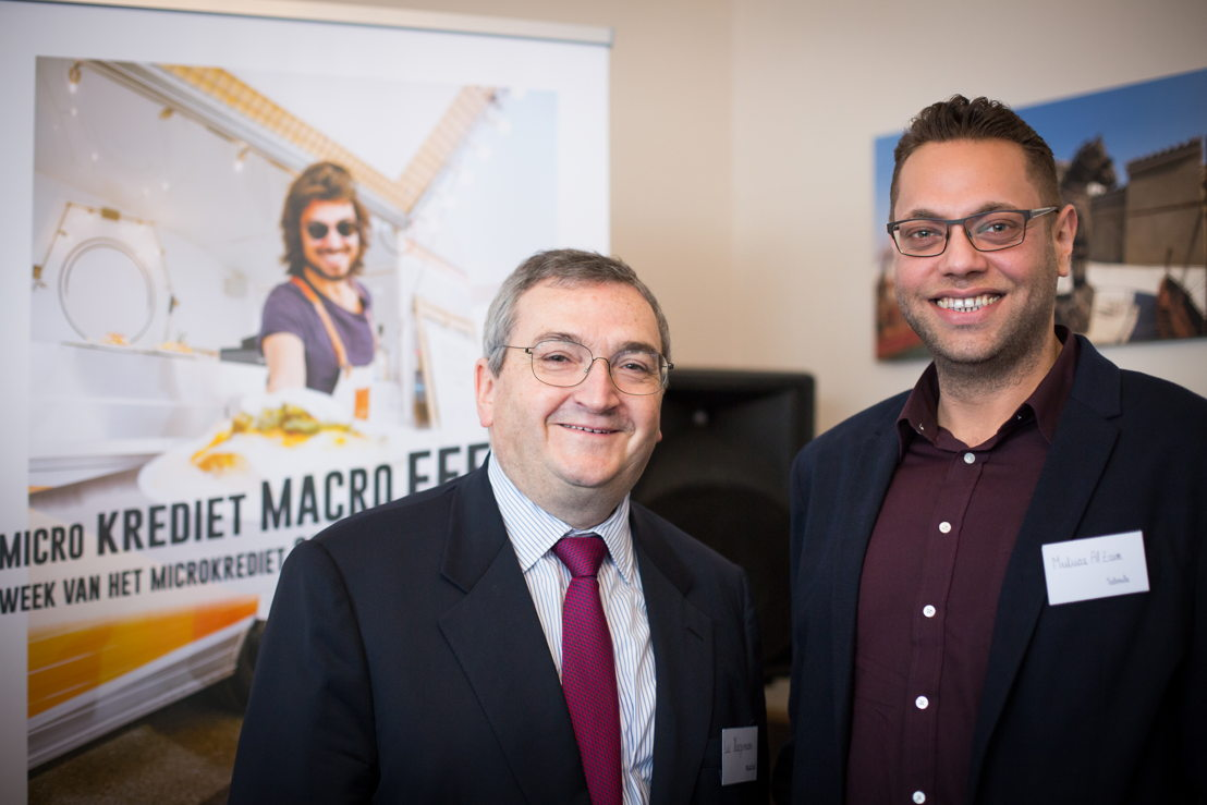 Luc Haegemans (voorzitter microStart) en Muataz Al Zaim (klant microStart/Impulskrediet)