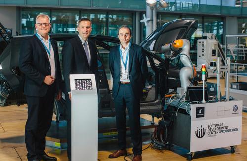 Centro de Desarrollo de Software: Volkswagen inaugura un Centro de Informática en la Gläserne Manufaktur en Dresden