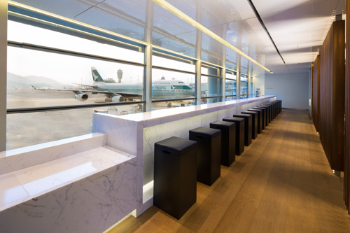 Cathay Pacifc eröffnet neue Lounge 'The Bridge' in Hong Kong