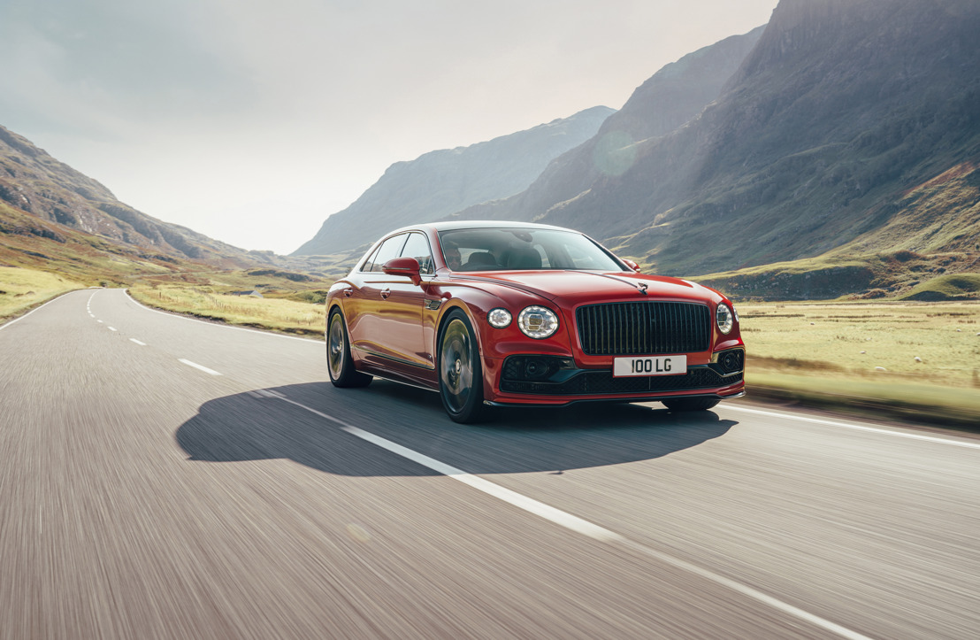 La Bentley Flying Spur V8 démarre en trombe