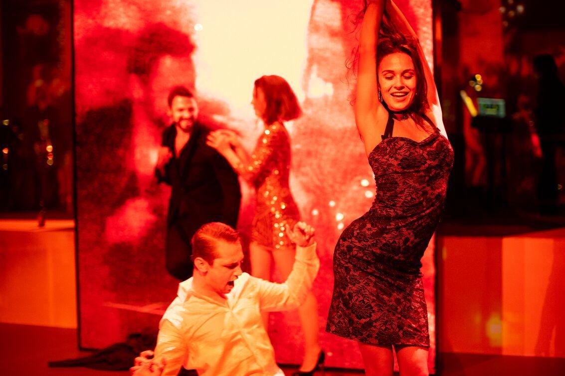 Het Nederlandse verhuurbedrijf Events Light zorgde samen met het productiebedrijf Stage Entertainment Nederland voor state-of-the-art audio-apparatuur voor Lazarus, waaronder Digital 6000 draadloze microfoons / Foto met dank aan: Stage Entertainment / Fotograaf: Jan Versweyveld