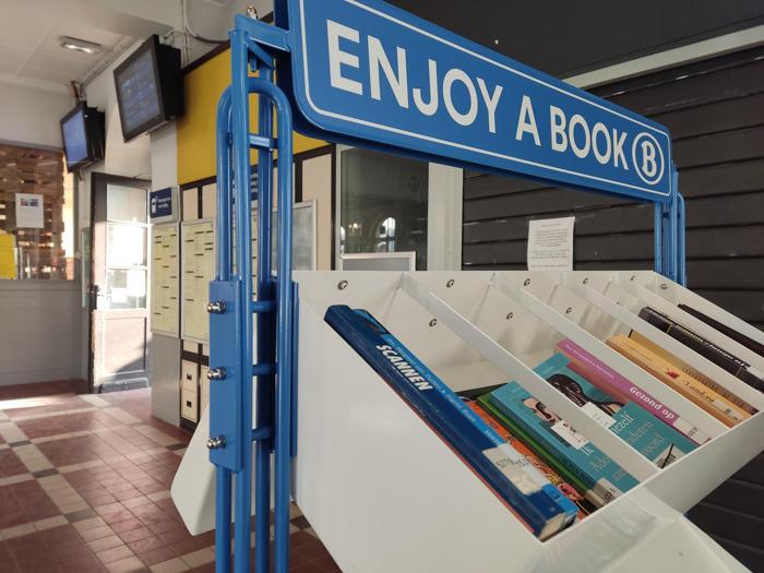 Preview: Enjoy a book : des boîtes à livres dans des gares de la SNCB