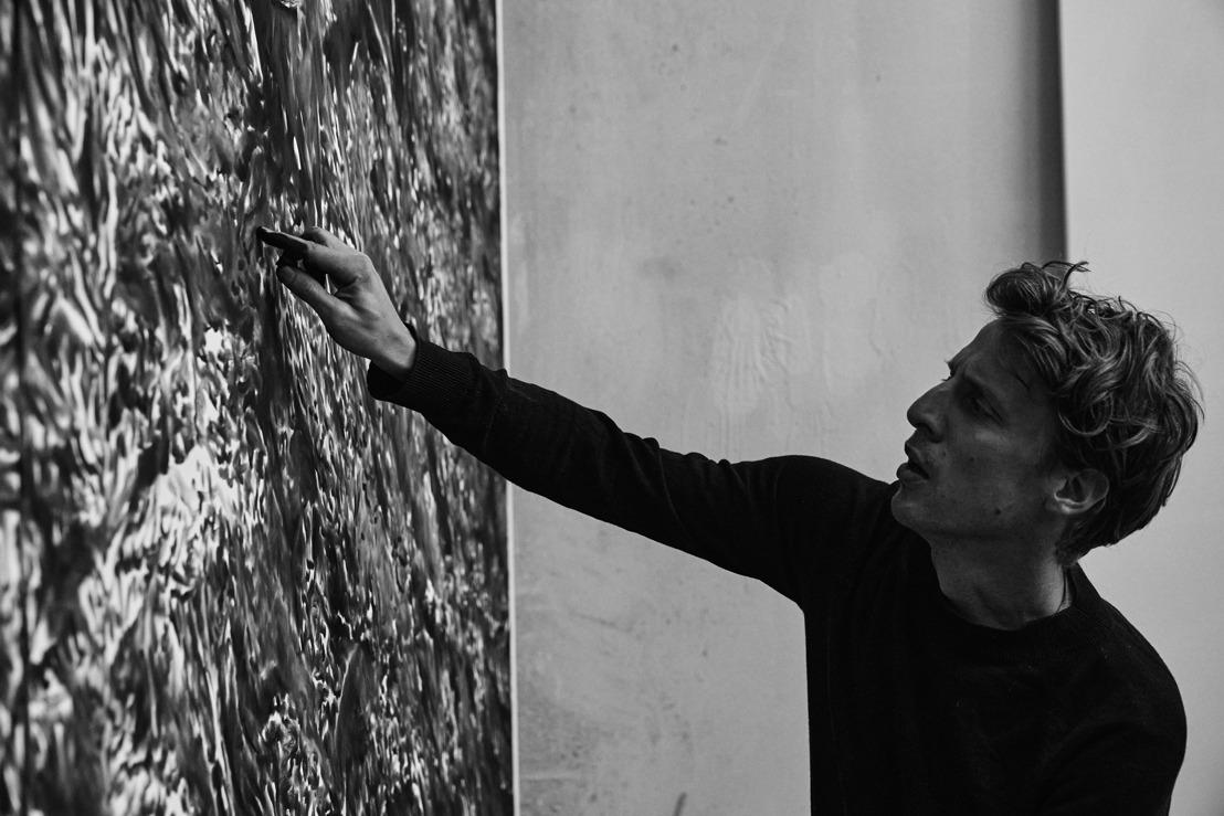 Rinus Van de Velde installeert een permanent kunstwerk in Brussels Airport ter gelegenheid van de Nationale Feestdag