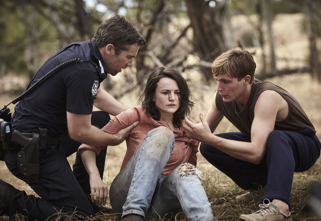 James (Patrick Brammall), Kirstie(Hannah Monson), Charlie (Sean Keenan)