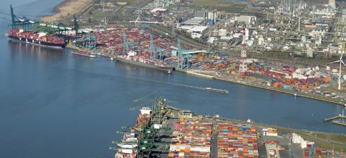 Haven van Antwerpen werkt aan efficiënter wegvervoer met nachtelijke openingsuren op de rechter Scheldeoever