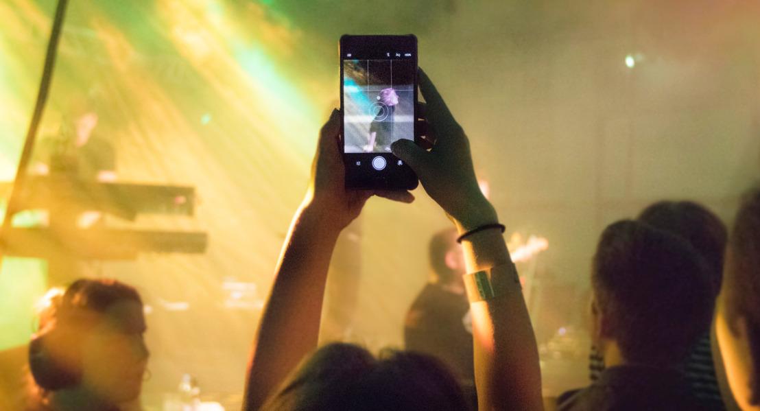 Nouveau record de consommation d'internet mobile du festivalier belge