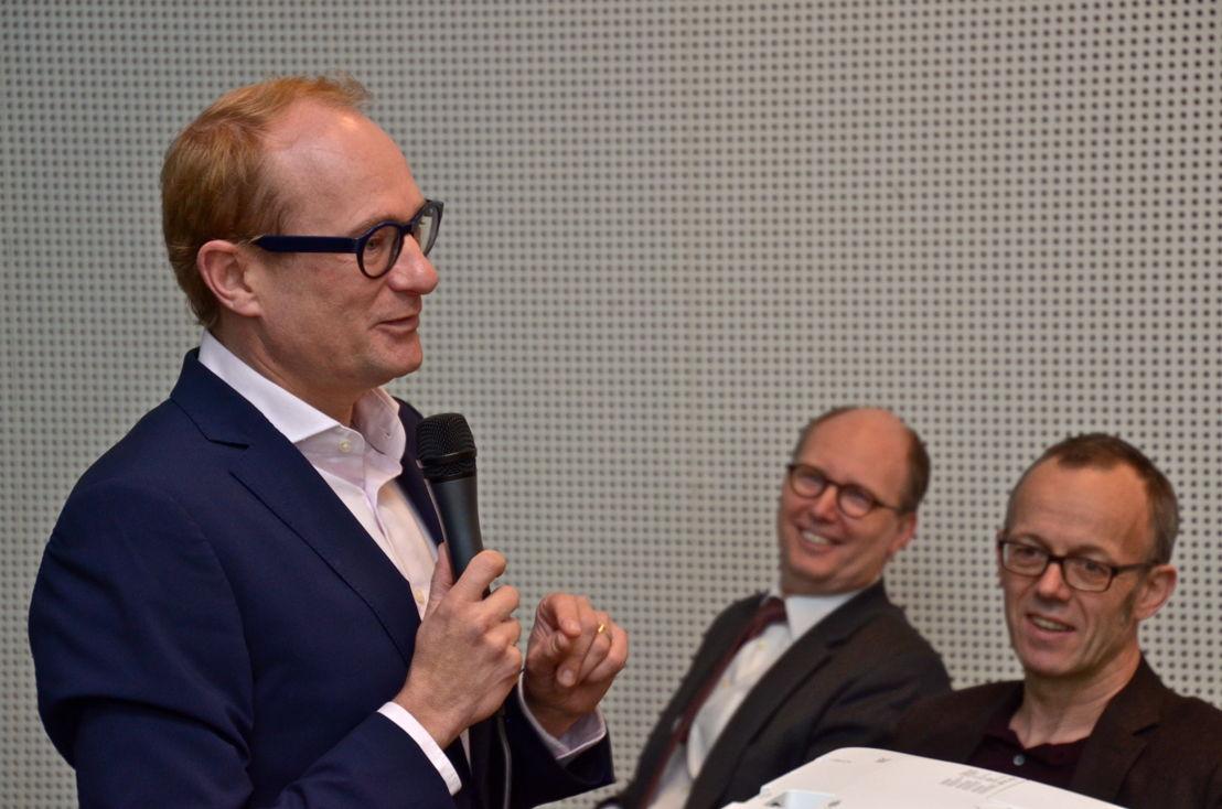 Minister Ben Weyts stelt de nieuwe Gentse Albatrostram voor. (c) Lou Demeyere
