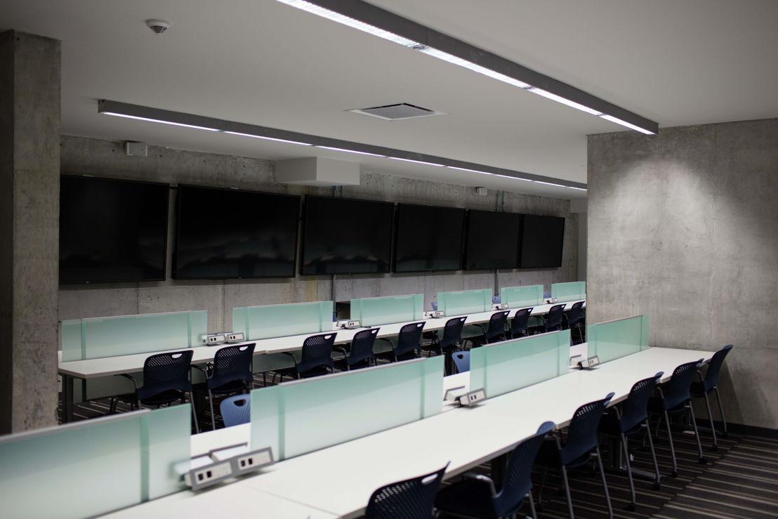 Sistema de audio Bose en sala de prensa estadio Rayados