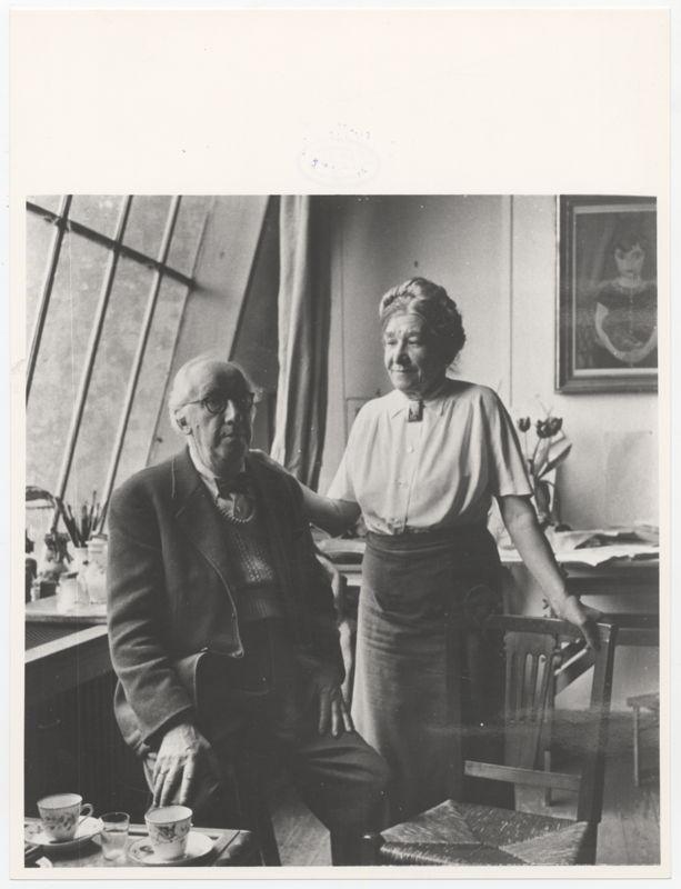 Edgard Tytgat en zijn echtgenote Maria in het atelier van de kunstenaar<br/>Koninklijke Musea voor Schone Kunsten van België, Archief voor Hedendaagse Kunst in België