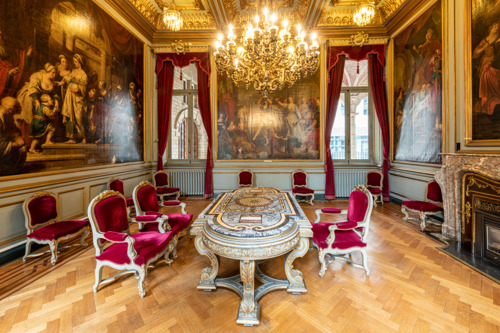Salons van het stadhuis in ere hersteld
