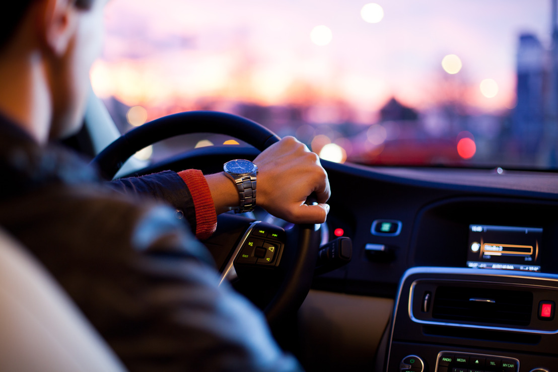 Gadgets básicos para hacer tu auto más smart