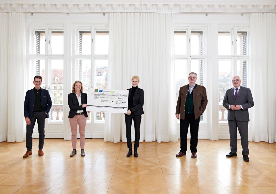 MÜNCHENS ERSTE HÄUSER unterstützen die Stiftung Gesellschaft macht Schule